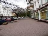 Инвестиции  в офисную недвижимость Киев , новый дом  метраж  300 кв. м.  цена 1, 900 у. е. за кв. м.